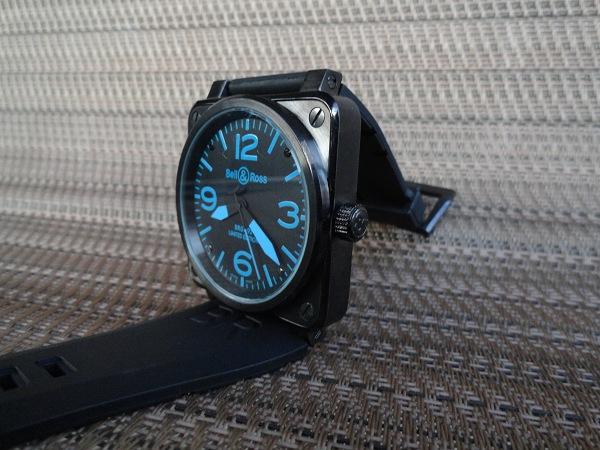 Bell & Ross réplica de carbono azul corona del reloj vista lateral